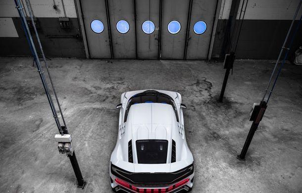 Bugatti a prezentat noul Centodieci: modelul special inspirat de legendarul EB110 va fi produs în 10 unități și va avea un preț de pornire de 8 milioane de euro - Poza 9