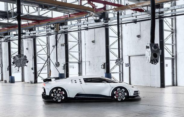 Bugatti a prezentat noul Centodieci: modelul special inspirat de legendarul EB110 va fi produs în 10 unități și va avea un preț de pornire de 8 milioane de euro - Poza 3