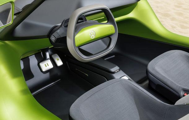 Volkswagen ID Buggy ar putea primi o versiune de serie: varianta de pre-producție a debutat în off-road la Concursul de Eleganță de la Pebble Beach - Poza 4