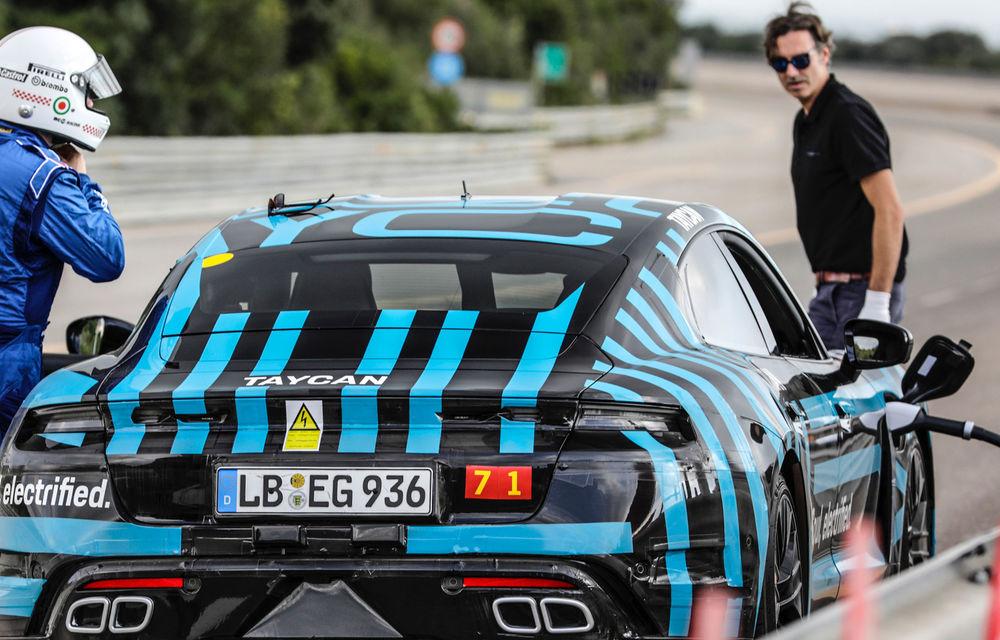 Test de anduranță cu Porsche Taycan: sportiva electrică a parcurs 3.425 de kilometri în 24 de ore pe un circuit din Italia - Poza 3