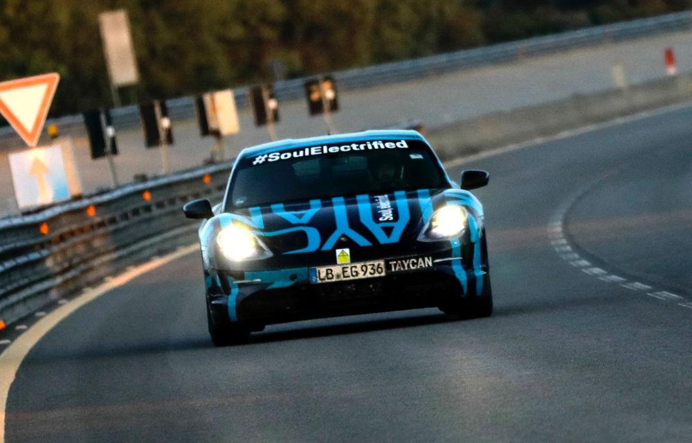 Test de anduranță cu Porsche Taycan: sportiva electrică a parcurs 3.425 de kilometri în 24 de ore pe un circuit din Italia - Poza 1
