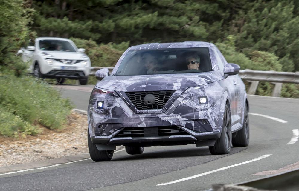 Primele imagini camuflate cu noua generație Nissan Juke: SUV-ul subcompact va avea jante de 19 inch, ampatament mărit și sistem ProPilot - Poza 15