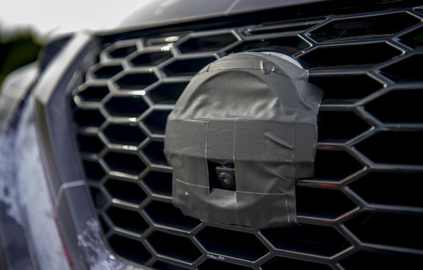 Primele imagini camuflate cu noua generație Nissan Juke: SUV-ul subcompact va avea jante de 19 inch, ampatament mărit și sistem ProPilot - Poza 18