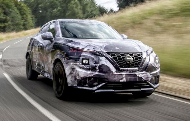 Primele imagini camuflate cu noua generație Nissan Juke: SUV-ul subcompact va avea jante de 19 inch, ampatament mărit și sistem ProPilot - Poza 8