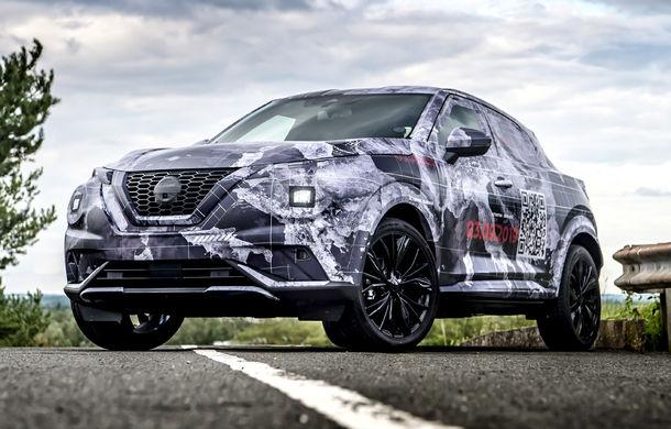 Primele imagini camuflate cu noua generație Nissan Juke: SUV-ul subcompact va avea jante de 19 inch, ampatament mărit și sistem ProPilot - Poza 1