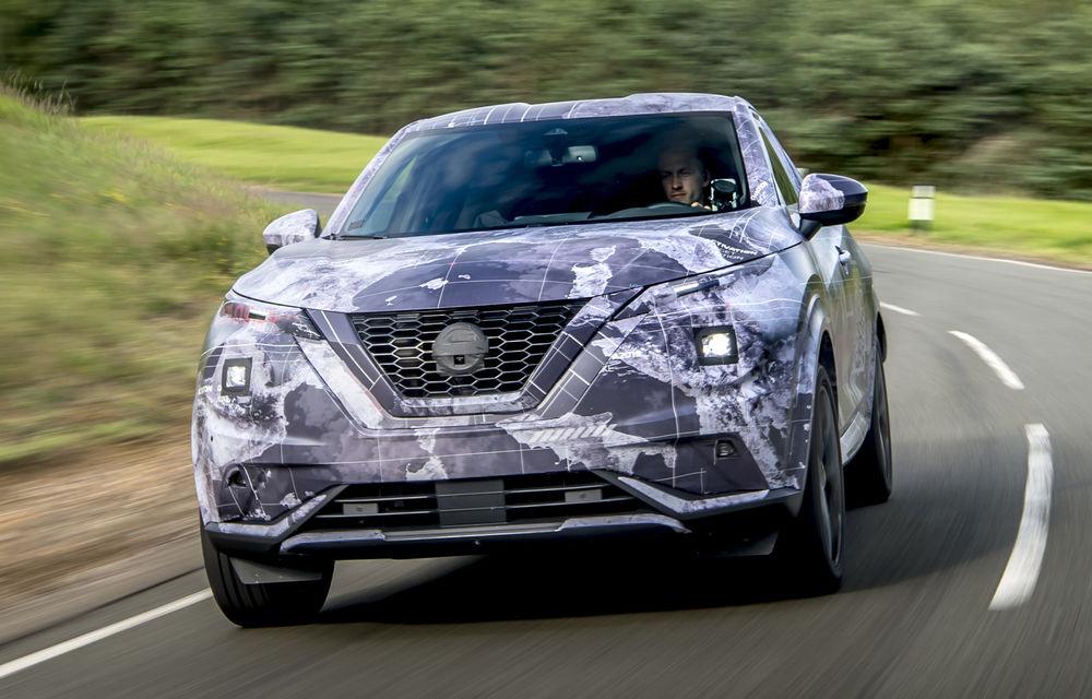 Primele imagini camuflate cu noua generație Nissan Juke: SUV-ul subcompact va avea jante de 19 inch, ampatament mărit și sistem ProPilot - Poza 4