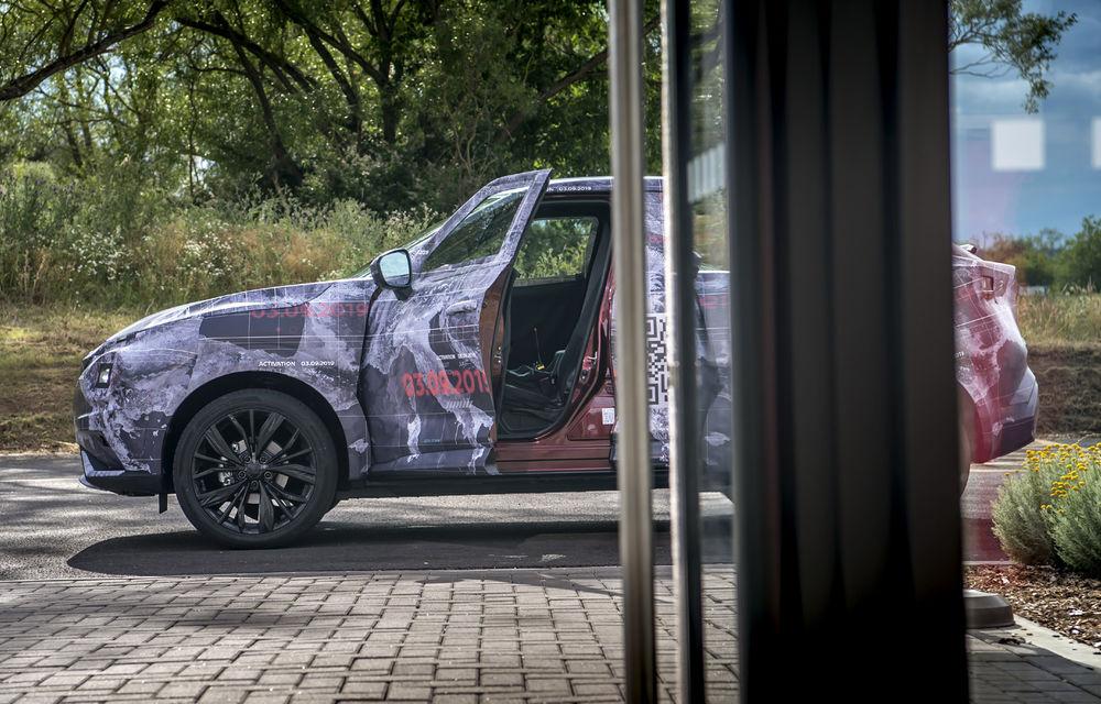 Primele imagini camuflate cu noua generație Nissan Juke: SUV-ul subcompact va avea jante de 19 inch, ampatament mărit și sistem ProPilot - Poza 16