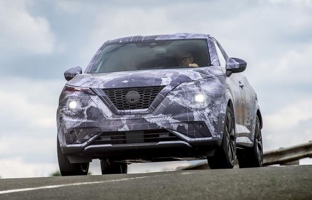 Primele imagini camuflate cu noua generație Nissan Juke: SUV-ul subcompact va avea jante de 19 inch, ampatament mărit și sistem ProPilot - Poza 11