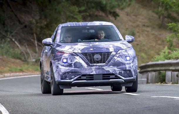 Primele imagini camuflate cu noua generație Nissan Juke: SUV-ul subcompact va avea jante de 19 inch, ampatament mărit și sistem ProPilot - Poza 13