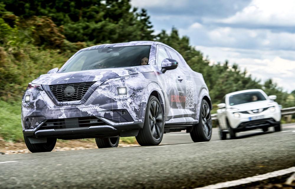 Primele imagini camuflate cu noua generație Nissan Juke: SUV-ul subcompact va avea jante de 19 inch, ampatament mărit și sistem ProPilot - Poza 12
