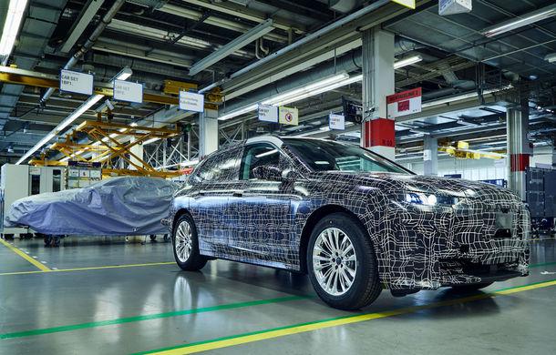 Noi imagini sub camuflaj cu BMW iNext: producția SUV-ului 100% electric va începe în 2021 - Poza 1