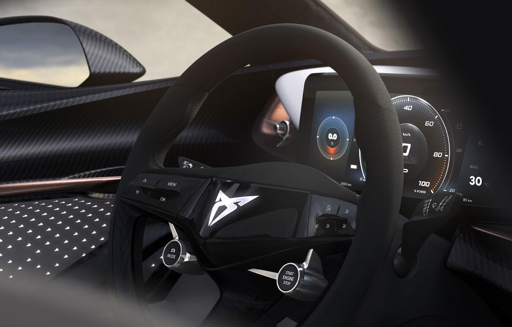 Conceptul electric Cupra primește un nou teaser: volanul și instrumentarul de bord digital, dezvăluite înainte de prezentarea din 2 septembrie - Poza 1