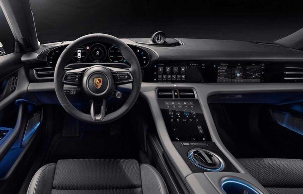Porsche prezintă interiorul sportivei electrice Taycan: 5 ecrane, inclusiv unul de 16.8 inch și unul opțional pentru pasagerul din dreapta - Poza 2