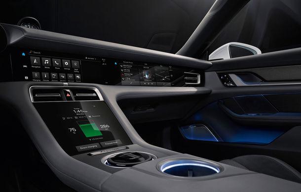 Porsche prezintă interiorul sportivei electrice Taycan: 5 ecrane, inclusiv unul de 16.8 inch și unul opțional pentru pasagerul din dreapta - Poza 3
