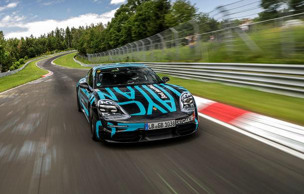 Porsche Taycan a devenit cel mai rapid sedan electric de pe Nurburgring: un exemplar de pre-serie a parcurs Iadul Verde în 7 minute și 42 de secunde - Poza 1