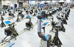 Ford introduce roboți colaborativi la uzina de la Craiova: aceștia preiau munca repetitivă de pe linia de asamblare a motoarelor
