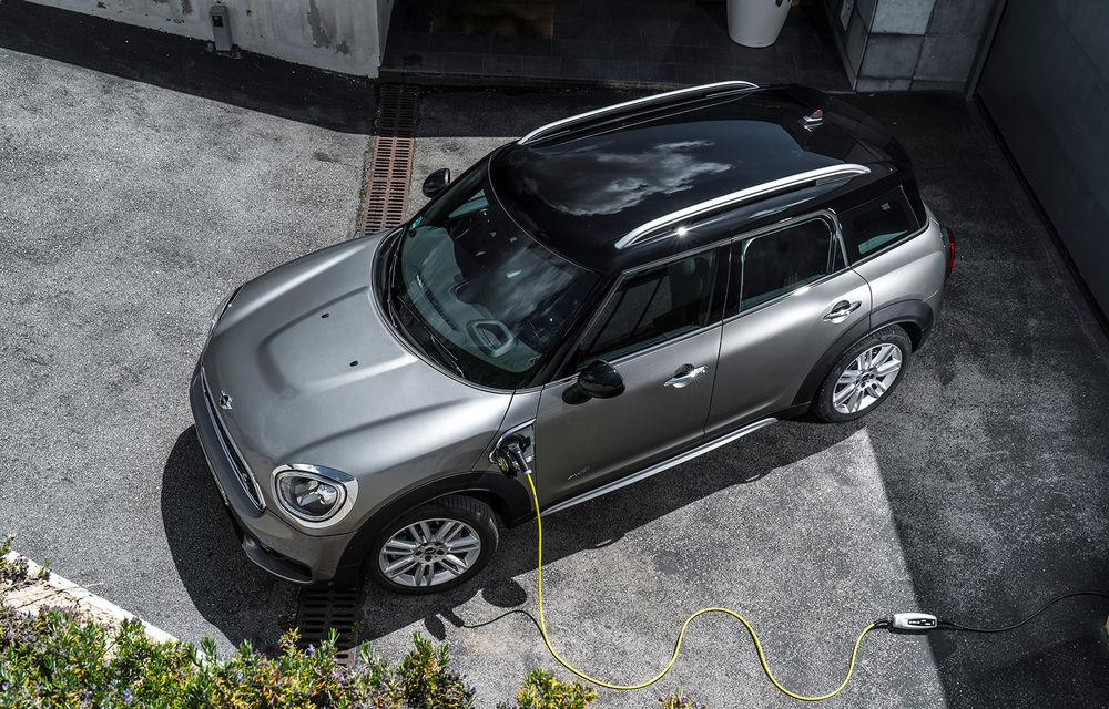 Versiunea plug-in hybrid a lui Mini Countryman primește o baterie cu o capacitate mai mare: autonomia în modul electric crește până la 57 de kilometri - Poza 2