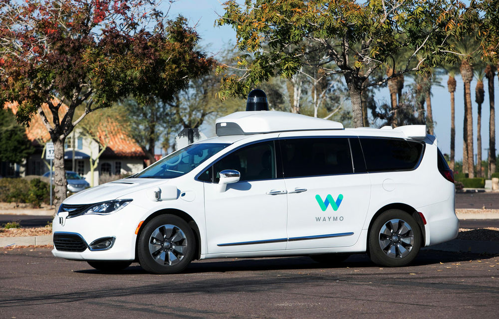 """Divizia Google pentru mașini autonome solicită schimbarea legislației: """"Volanul și pedalele nu ar trebui să fie obligatorii pe mașini"""" - Poza 1"""