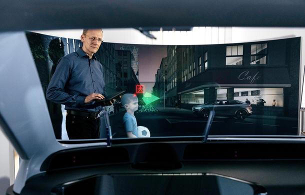 """Volkswagen vrea să dezvolte un head-up display cu realitate augmentată: """"Planșa de bord tradițională ar putea deveni învechită"""" - Poza 1"""
