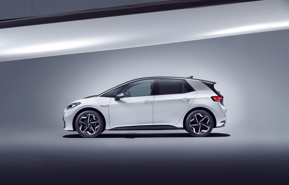 Am văzut noul Volkswagen ID.3 înaintea tuturor: toate detaliile despre revoluția electrică VW - Poza 30