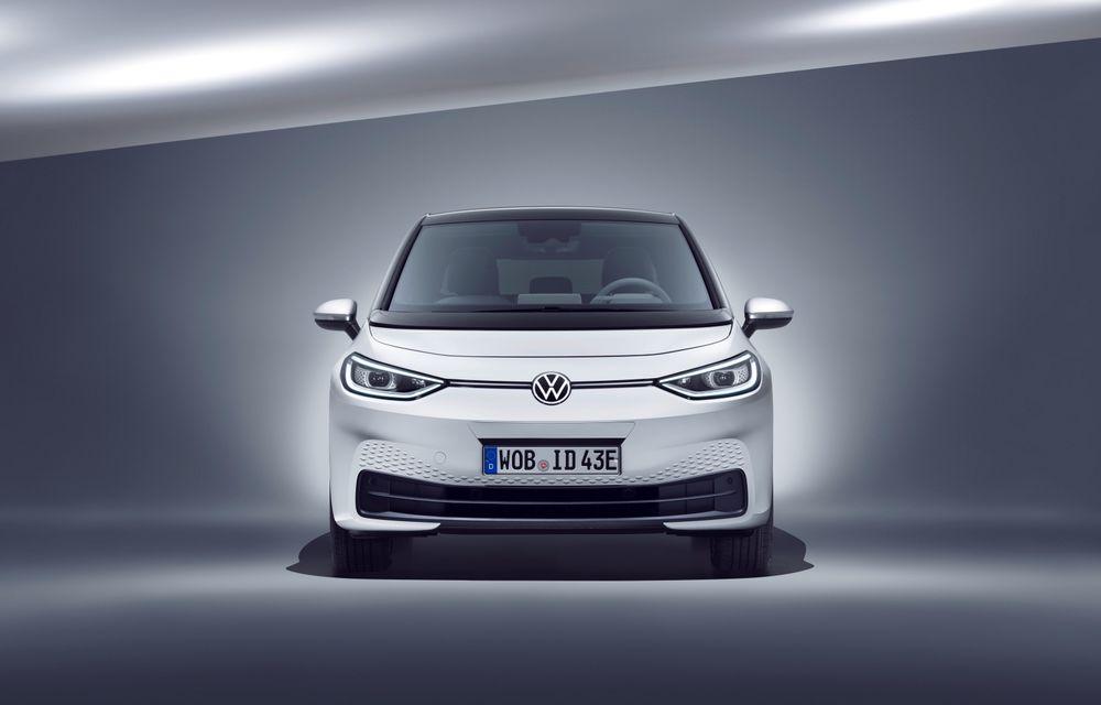 Am văzut noul Volkswagen ID.3 înaintea tuturor: toate detaliile despre revoluția electrică VW - Poza 29