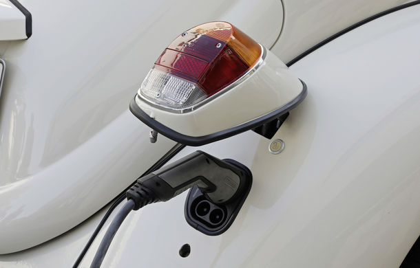 O nouă viață pentru clasicul Beetle: Volkswagen oferă conversii la motorul electric de 82 CP utilizat de noul e-Up! - Poza 3
