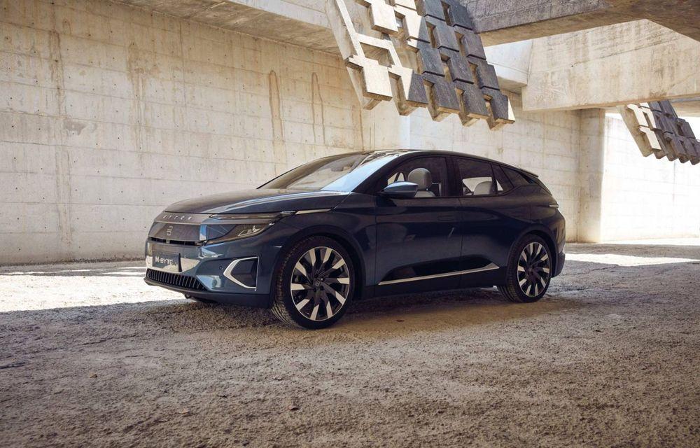 Chinezii de la Byton prezintă versiunea de serie a SUV-ului electric M-Byte: ecran de 48 inch și autonomie de până la 435 de kilometri - Poza 3