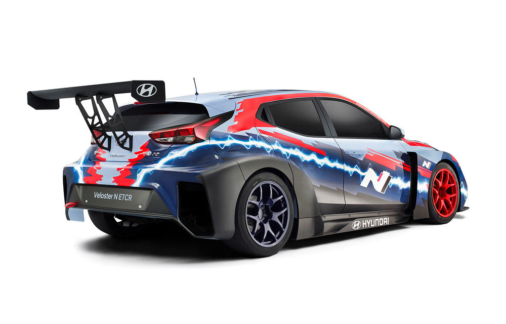 Hyundai a prezentat modelul electric de circuit Veloster N ETCR: motor electric amplasat central și roți motrice spate - Poza 2