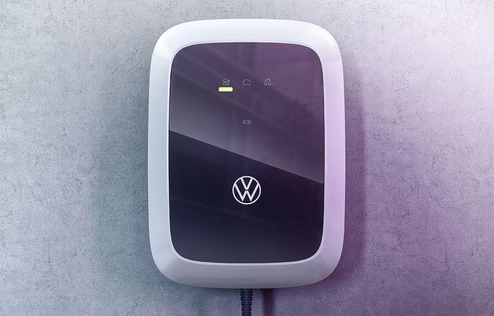 Volkswagen lansează o gamă de wallbox-uri pentru a încărca acasă mașinile electrice: versiunea de bază costă 400 de euro - Poza 1