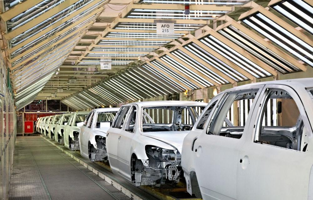 Studiu: producătorii auto vor fi obligaţi să-şi diminueze costurile în următorii 10 ani, iar automatizarea va crește în fabrici - Poza 1