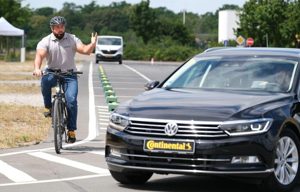 Continental prezintă tehnologiile viitorului imediat: sistem mild-hibrid la 48V cu rulare 100% electrică, siguranță sporită cu noul asistent pentru virajul la dreapta și orașele conectate ale viitorului - Poza 23