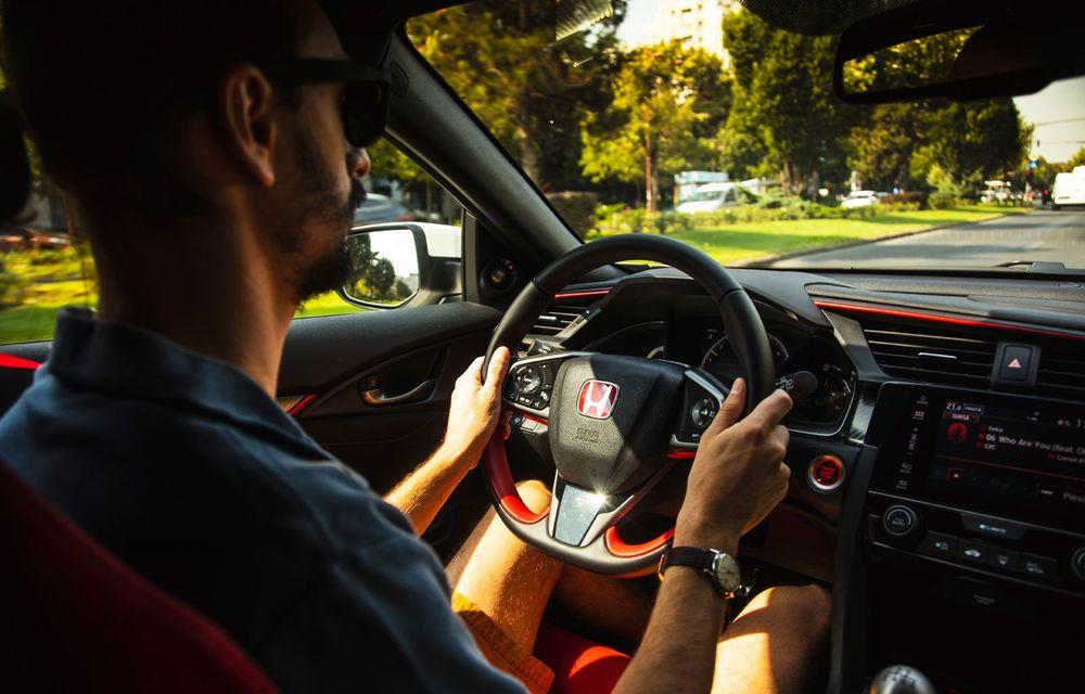 """Două săptămâni în """"civil"""" cu Honda Civic Type R: cum se comportă Hot Hatch-ul nipon în viața de zi cu zi - Poza 35"""