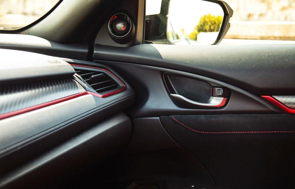 """Două săptămâni în """"civil"""" cu Honda Civic Type R: cum se comportă Hot Hatch-ul nipon în viața de zi cu zi - Poza 30"""