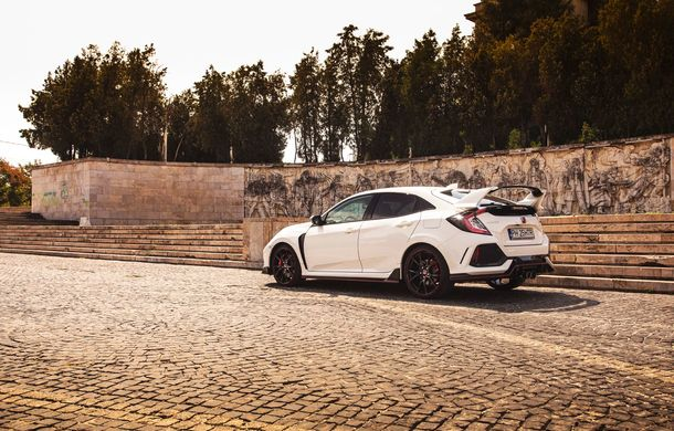"""Două săptămâni în """"civil"""" cu Honda Civic Type R: cum se comportă Hot Hatch-ul nipon în viața de zi cu zi - Poza 8"""