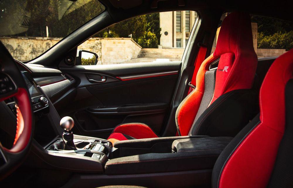 """Două săptămâni în """"civil"""" cu Honda Civic Type R: cum se comportă Hot Hatch-ul nipon în viața de zi cu zi - Poza 23"""