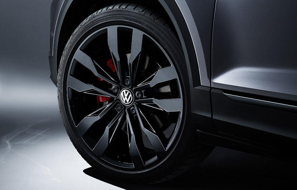 Noutăți în gama Volkswagen T-Roc: motor diesel de 2.0 litri și 190 CP, pachet de design Black Style și sistem audio de 300 W - Poza 5