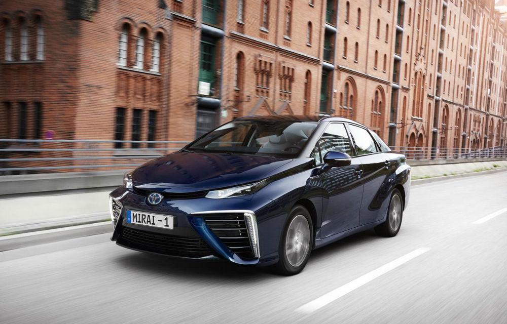 """Toyota va lansa noua generație Mirai în 2020: """"Mașinile electrice alimentate cu hidrogen au un potențial uriaș"""" - Poza 1"""