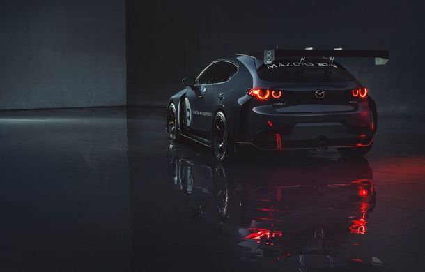 Mazda 3 primește o versiune de circuit: 350 CP și pachet aerodinamic special - Poza 9