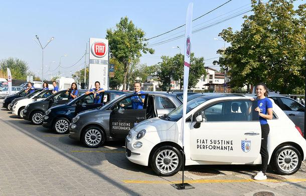 Fiat devine noul partener al clubului de handbal CSM București: jucătoarele au primit 8 unități Fiat 500 pentru o perioadă de 12 luni - Poza 2