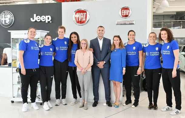 Fiat devine noul partener al clubului de handbal CSM București: jucătoarele au primit 8 unități Fiat 500 pentru o perioadă de 12 luni - Poza 4