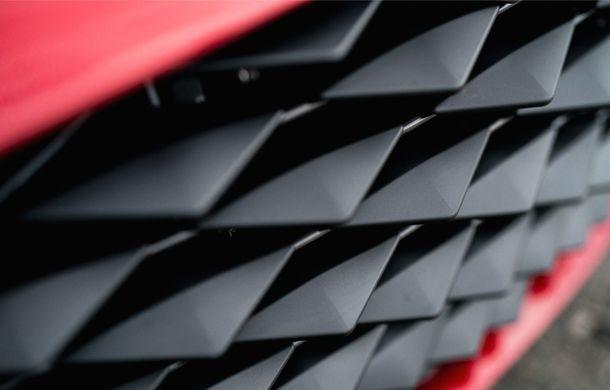Aston Martin DBS GT Zagato: accesorii exterioare din aur, elemente interioare printate 3D și producție limitată la 19 unități - Poza 11