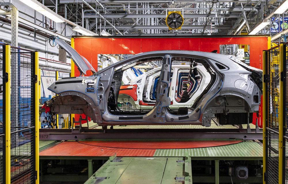 Ford a început în 8 octombrie producția SUV-ului Puma la uzina de la Craiova: angajații vor lucra în trei schimburi - Poza 6