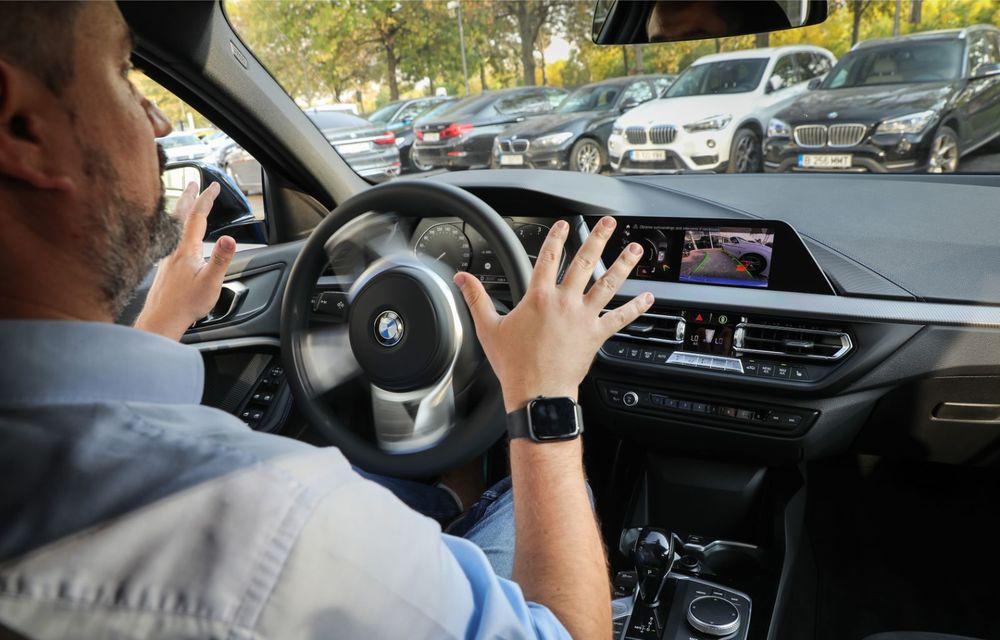 BMW a prezentat noul Seria 1 în România: interfață iDrive disponibilă în limba română și informații despre trafic în timp real. Preț de pornire de 27.600 de euro - Poza 50