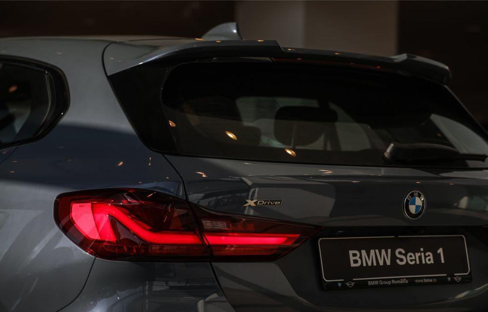 BMW a prezentat noul Seria 1 în România: interfață iDrive disponibilă în limba română și informații despre trafic în timp real. Preț de pornire de 27.600 de euro - Poza 14