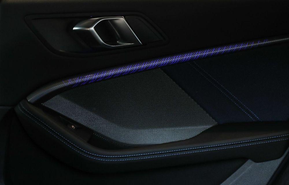 BMW a prezentat noul Seria 1 în România: interfață iDrive disponibilă în limba română și informații despre trafic în timp real. Preț de pornire de 27.600 de euro - Poza 21