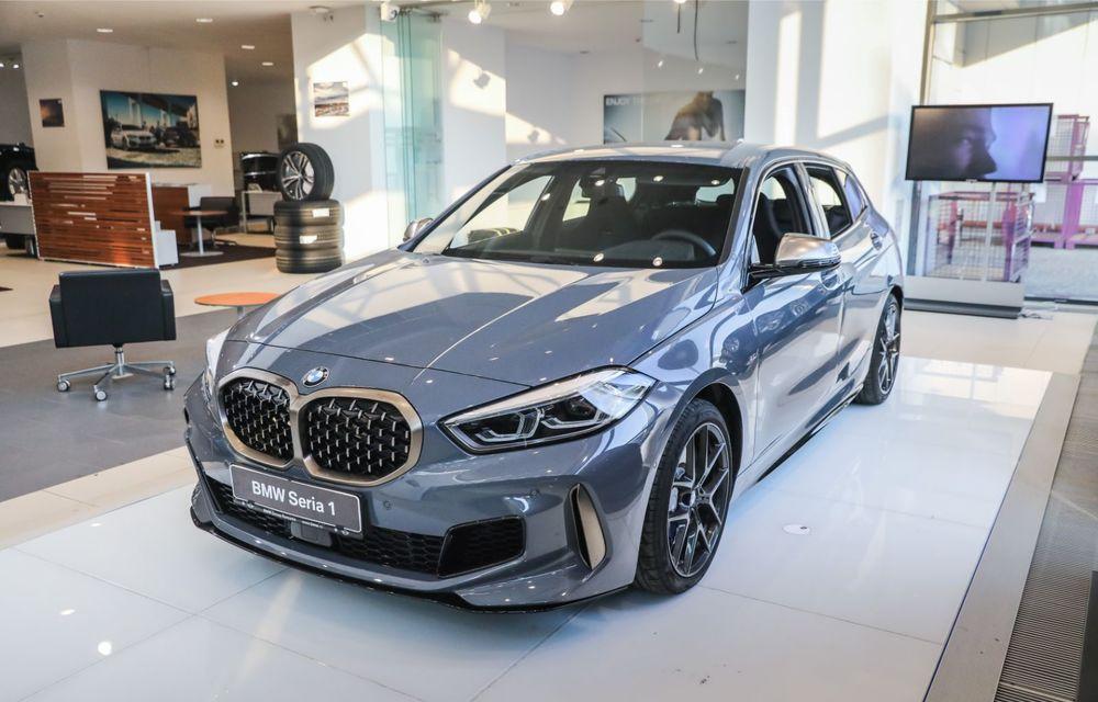 BMW a prezentat noul Seria 1 în România: interfață iDrive disponibilă în limba română și informații despre trafic în timp real. Preț de pornire de 27.600 de euro - Poza 3