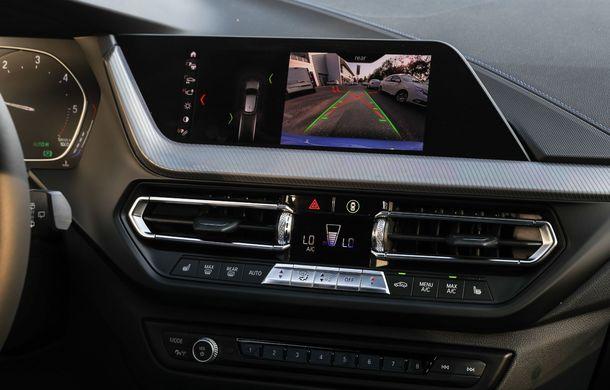 BMW a prezentat noul Seria 1 în România: interfață iDrive disponibilă în limba română și informații despre trafic în timp real. Preț de pornire de 27.600 de euro - Poza 51