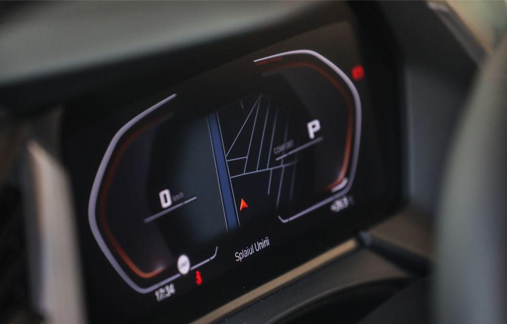 BMW a prezentat noul Seria 1 în România: interfață iDrive disponibilă în limba română și informații despre trafic în timp real. Preț de pornire de 27.600 de euro - Poza 41