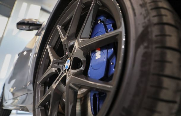BMW a prezentat noul Seria 1 în România: interfață iDrive disponibilă în limba română și informații despre trafic în timp real. Preț de pornire de 27.600 de euro - Poza 6