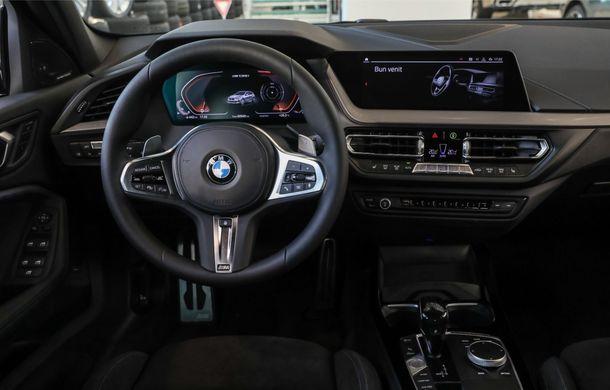 BMW a prezentat noul Seria 1 în România: interfață iDrive disponibilă în limba română și informații despre trafic în timp real. Preț de pornire de 27.600 de euro - Poza 23